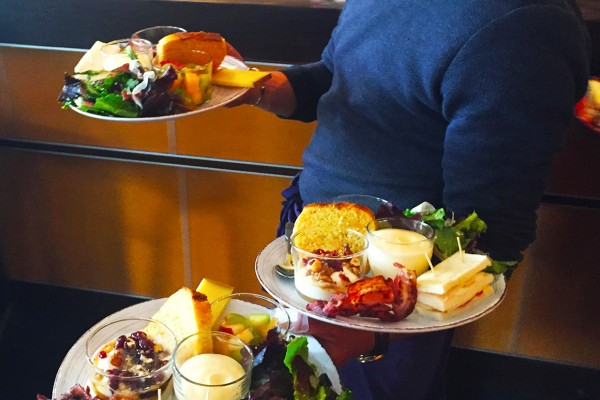 brunch-terrasse)paris-restaurant-moncoeur-belleville