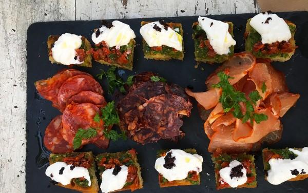 planche-charcuterie-focaccia-happy-hour-restaurant-moncoeur-belleville-paris