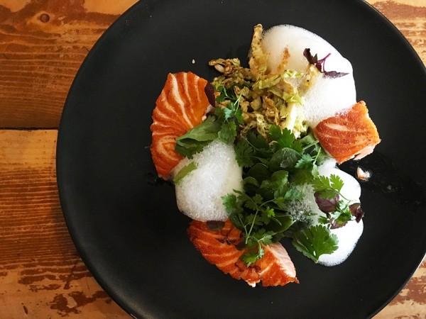 saumon-snacke-dejeuner-restaurant-moncoeur-belleville-paris