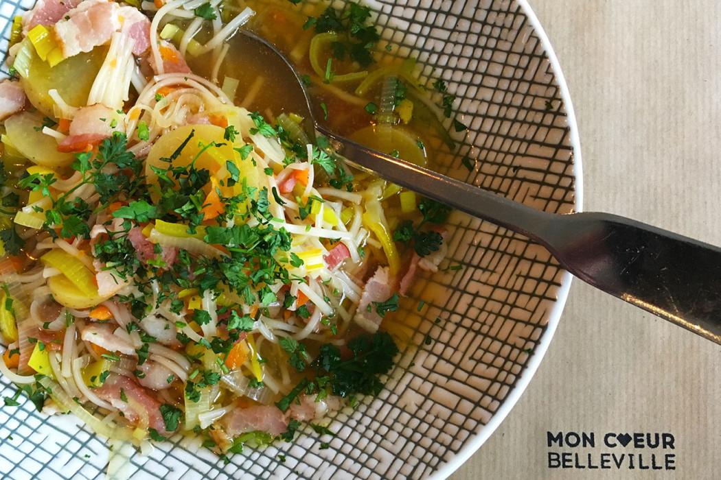 bouillon-nouilles-dejeuner-midi-restaurant-moncoeur-belleville