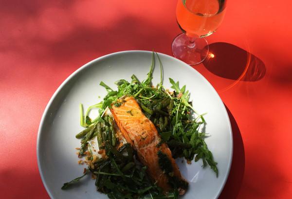 saumon-grille-dejeuner-restaurant-paris-terrasse-moncoeur-belleville