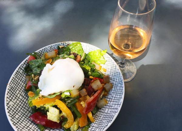 salade-ete-lieu-fume-terrasse-restaurant-paris-moncoeur-belleville