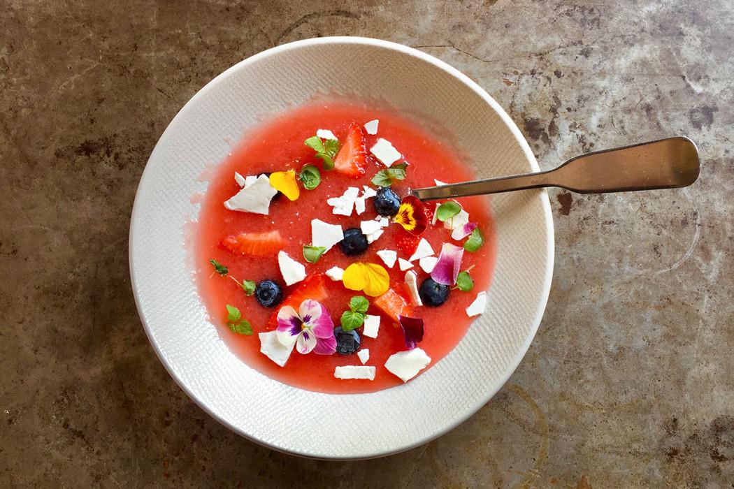 soupe-pasteque-fraises-restaurant-moncoeur-belleville-paris