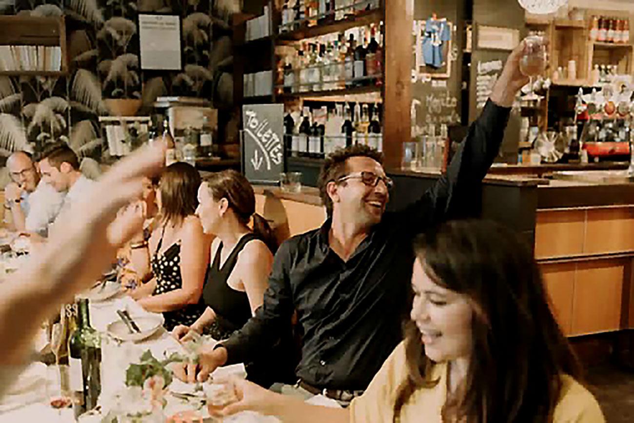 mariage-margot-franck-terrasse-restaurant-paris-moncoeur-belleville-Lysekong-Photographe-Paris-7410