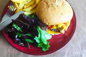 Burger @ Moncoeur: organic bread and good meat